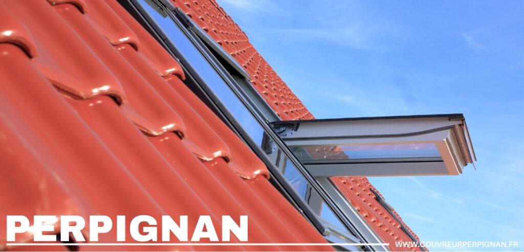 fenetre de toit sur une toiture en ardoise tuile Perpignan